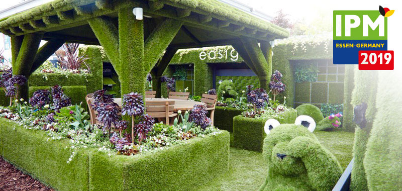 artificial grass gazebo at world leading horticulture show